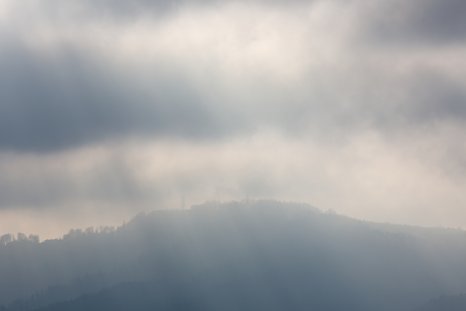 Rays of light trying to penetrate the mist on January 12, 2014 at 14:08 creating a Haboku mood